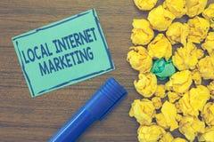 Tekstteken die Lokale Internet-Marketing tonen De conceptuele Zoekmachines van het fotogebruik voor Overzichten en Bedrijfslijst stock afbeelding