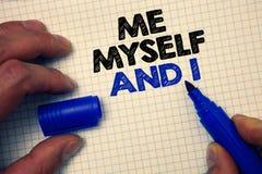 Tekstteken die me zelf en I tonen Conceptuele foto egoïstische zelf-onafhankelijke die de verantwoordelijkheid van grijze IMP van stock foto's