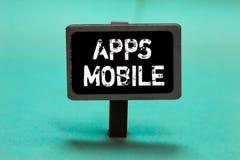 Tekstteken die Mobiele Apps tonen Conceptueel die fotocomputerprogramma wordt opgesteld om op telefoonhand te lopen - gehouden ap stock foto's