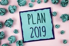 Tekstteken die Plan 2019 tonen De conceptuele Doelstellingen van foto Opwindende Ideeën voor Nieuwjaarmotivatie om te beginnen Co royalty-vrije stock afbeeldingen
