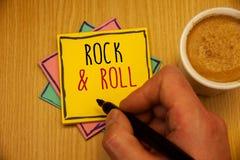 Tekstteken die Rots tonen - en - broodje Het conceptuele Type van foto's Muzikale Genre van populaire Zware dansmuziek sloeg Soun royalty-vrije stock afbeeldingen