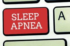 Tekstteken die Slaap Apnea tonen Conceptuele foto de tijdelijke onderbreking van ademhaling tijdens slaap het Snurken royalty-vrije stock foto
