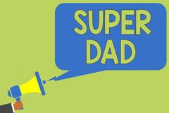 Tekstteken die Super Papa tonen Het conceptuele idool van fotokinderen en super held een inspiratie om op aan de megafoon van de  royalty-vrije stock afbeeldingen