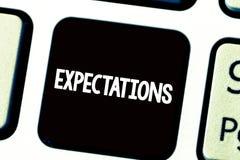 Tekstteken die Verwachtingen tonen Conceptuele foto Sterke overtuiging dat iets zal gebeuren of het geval zal zijn stock foto's