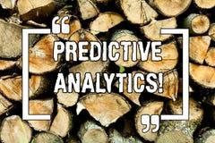 Tekstteken die Vooruitlopende Analytics tonen Conceptuele fotomethode aan de Statistische Houten Analyse van voorspellingsperfora stock afbeelding