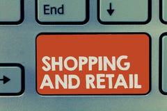 Tekstteken en Kleinhandels tonen die winkelen Conceptueel fotoproces om de Consumptiegoederendiensten aan klanten Te verkopen royalty-vrije stock afbeelding