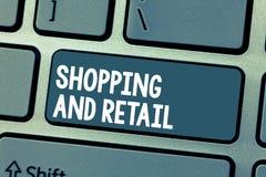 Tekstteken en Kleinhandels tonen die winkelen Conceptueel fotoproces om de Consumptiegoederendiensten aan klanten Te verkopen royalty-vrije stock afbeeldingen