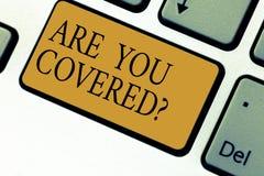 Tekstteken het tonen is u Coveredquestion Conceptuele foto die over u van het de verklaringstoetsenbord van de verzekeringsgezond stock fotografie