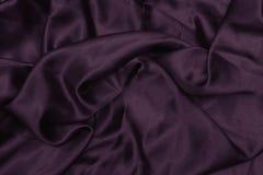 Tekstura atłas Jedwabniczy tło błyszcząca falistego wzoru kanwa kolor tkanina, sukienna purpura Fotografia Stock