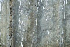 Tekstura betonowa ściana z pluśnięciami biała farba obraz stock