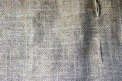 Tekstura brown stara kanwa, bieliźniany naturalny materiał z prostacki pionowy przeplatać włókna tkanina obraz stock