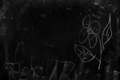 Tekstura czerni szkoły blackboard z śladami kreda fotografia royalty free