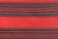 Tekstura czerwony i czarny barwiony dywan Fotografia Royalty Free