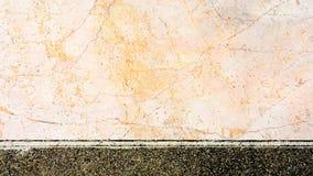 Tekstura menchia marmuru luksusu ściana przy klasycznym domowego budynku tłem Obrazy Stock
