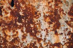 Tekstura ośniedziały żelazo, krakingowa farba na starej kruszcowej powierzchni, prześcieradło ośniedziały metal z krakingową i pł Zdjęcie Stock