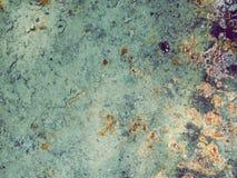 Tekstura stary ośniedziały żelazo w naturalnych otaczaniach zdjęcia royalty free