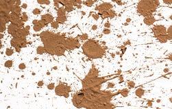 Tekstury gliniany chodzenie w białym tle. Obrazy Stock