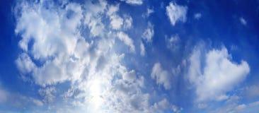 Tekstury nieba chmury zgłębiają błękit Obrazy Royalty Free