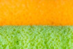 Tekstury powierzchnia pomarańcze i Pandan smak rolka zasycha fotografia stock