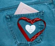 Tekstylni serca i różowa fotografii rama Romantyczny miłość temat na cajgu Obrazy Royalty Free