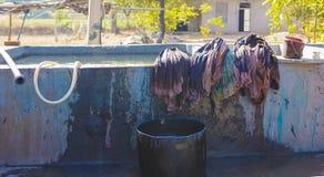 Tekstylny barwiarstwo z naturalnych kolorów Tradycyjnym procesem w India, Obraz Stock