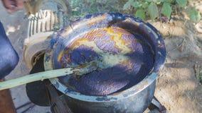 Tekstylny barwiarstwo z naturalnych kolorów Tradycyjnym procesem w India, Zdjęcia Stock
