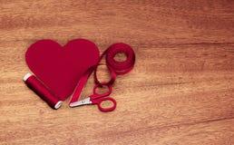 Tekstylny serce na drewnie Obraz Stock