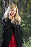 Teléfono de la chica joven Imágenes de archivo libres de regalías