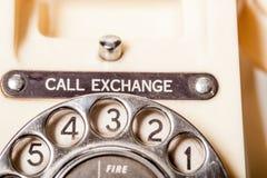El teléfono de marfil del vintage británico de los años 50 - marque el detalle macro Fotografía de archivo