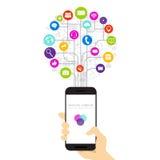 Teléfono elegante de la célula del control de la mano con los medios iconos sociales conectados con las líneas en la comunicación Fotografía de archivo