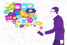 Teléfono elegante de la célula del control del hombre con la burbuja de la charla del medios concepto social de la comunicación d Imagenes de archivo