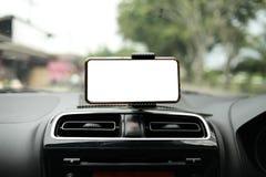 Teléfono elegante en mofa del coche para arriba fotos de archivo