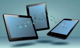 Teléfono elegante, tableta, con el medios uso Fotos de archivo