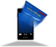 Teléfono móvil con la pantalla de la tarjeta de la lealtad Imagenes de archivo