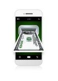 Teléfono móvil con la tarjeta de crédito sobre blanco Fotografía de archivo