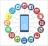 Teléfono móvil con los iconos sociales de Infographic de la red stock de ilustración