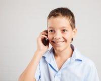 Teléfono que habla adolescente Foto de archivo