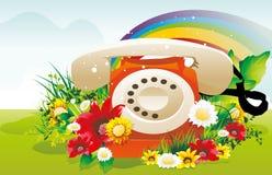 Teléfono retro rodeado por las flores   Foto de archivo libre de regalías