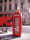 Teléfono rojo en Londres Imagen de archivo