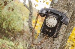 Teléfono roto viejo fotografía de archivo libre de regalías