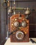 Teléfono viejo del vintage con vida conceptual de los prismáticos aún Fotos de archivo libres de regalías