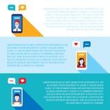 Teléfonos elegantes móviles del concepto social de la red con los avatares de la gente Imagen de archivo libre de regalías