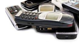 Teléfonos móviles viejos fotografía de archivo