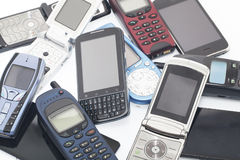 Teléfonos móviles viejos y nuevos, smartphone Imágenes de archivo libres de regalías