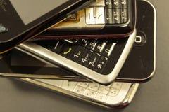 Teléfonos ofrecidos y elegantes Imágenes de archivo libres de regalías