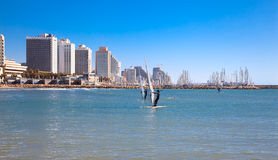 Tel Aviv от одного из много пляжей Стоковая Фотография RF