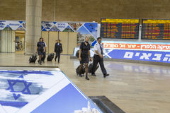Tel-Aviv -airoport -The pilot and flight attendant -21 July - Israel, 2014 Stock Photography