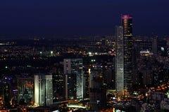 Tel Aviv cityscape på natten Royaltyfri Bild