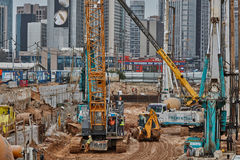 Tel Aviv - 10.06.2017: Construction site machinery and workers i royalty free stock images