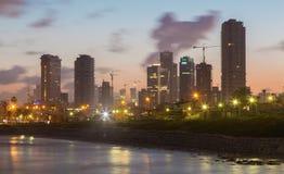 Tel Aviv - a costa sob Jaffa velho e Tel Aviv Imagens de Stock Royalty Free